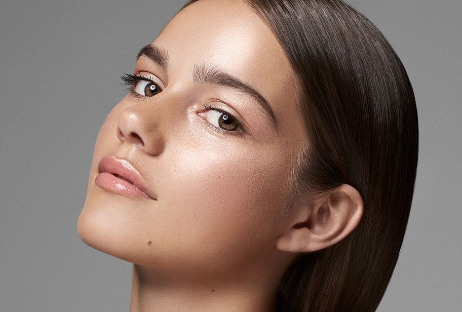 Glow Makeup The How To Guide To Achieve Glossy Dewy Skin Effect
